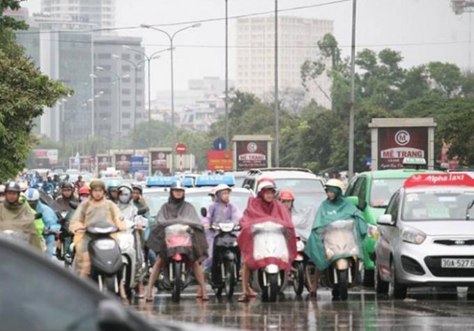 Đến 10h sáng cùng ngày, tình trạng ùn tắc, kẹt cứng đã giảm đáng kể trên nhiều tuyến phố tại Thủ đô (Ảnh: Văn Đại)