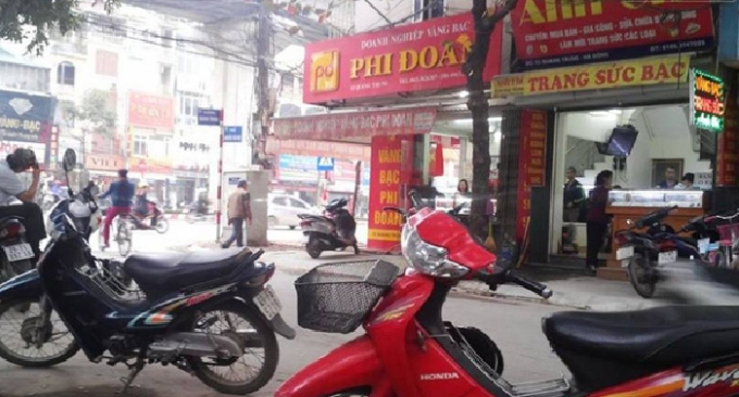 Tiệm vàng nhà ông Phi các nhà chưa đầy 1km.