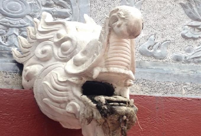 Một trong những chi tiết không phù hợp tại khu di tích chùa Hương sẽ được thay thế trước tết Nguyên đán.