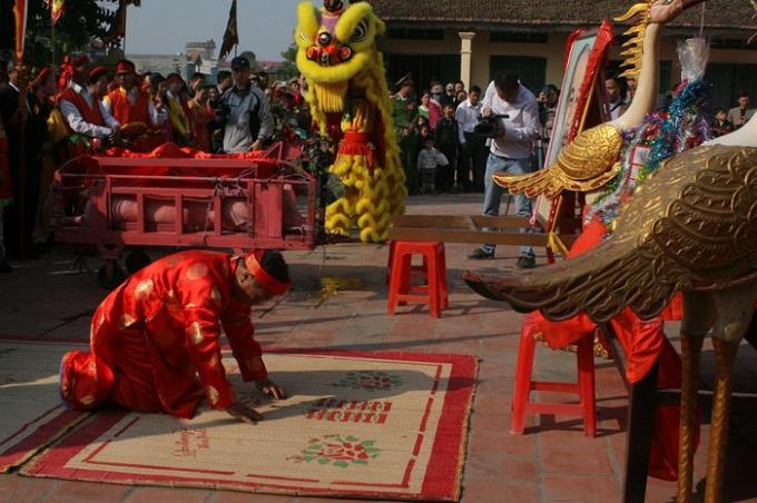 Một trong những nghi thức tế lễ tại lễ hội chém lợn năm nay.