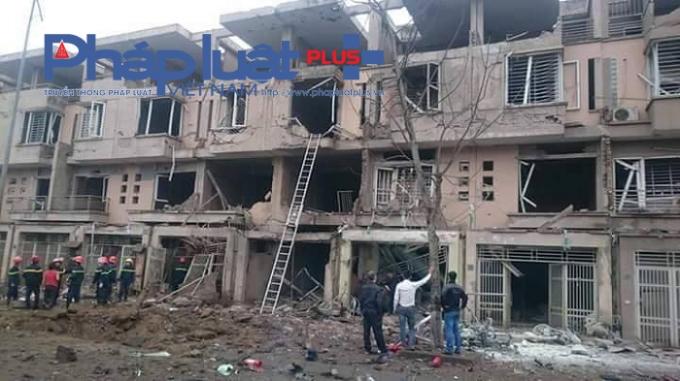 Các khu nhà xung quanh khu vực diễn ra vụ nổ bị hư hại nặng.