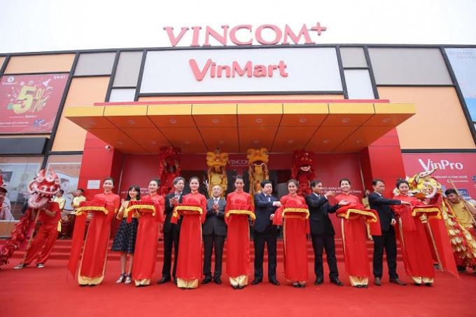 Lễ cắt băng khánh thành Trung tâmVincom+ Chí Linh.