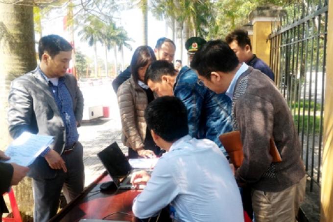 Đoàn kiểm tra liên ngành kiểm tra, xử phạt đơn vị phạm quy định trong hoạt động kinh doanh các dịch vụ du lịch (Ảnh QNP).