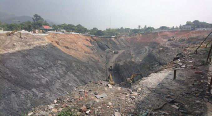 Một trong những khai trường khai thác than tại thị xã Đông Triều.
