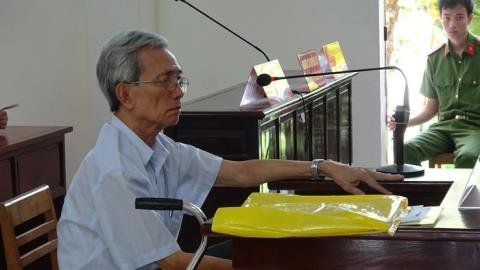 Bị cáo Nguyễn Khắc Thủy tại tòa phúc thẩm sáng 11/5. Ảnh: TTO