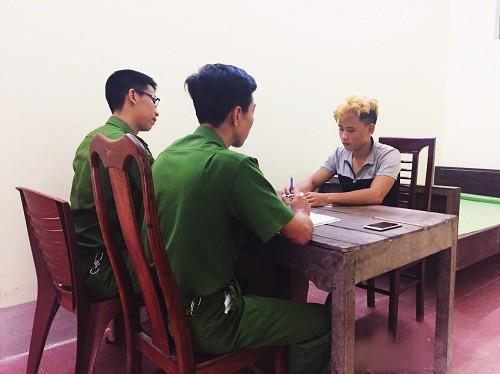 Lê Đình Tuyền tại cơ quan điều tra - Ảnh: Công an Hà Tĩnh.