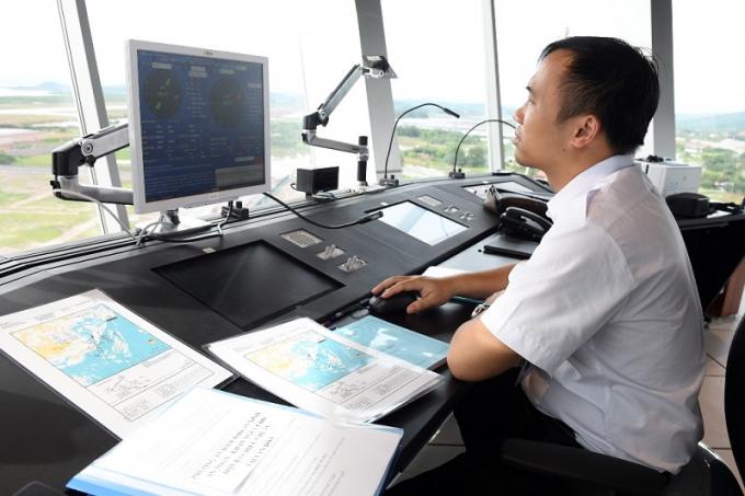 Từ vị trí Đài kiểm soát không lưu có thể quan sát được toàn bộ sân bay.