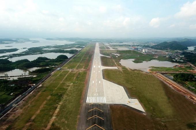 Đường băng sân bay quốc tế Vân Đồn.