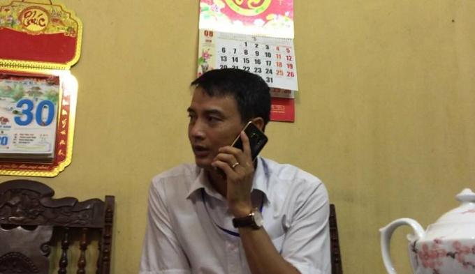 Ông Nguyễn Hoàng Gia- Phó chủ tịch UBND xã Văn Môn tại buổi làm việc với phóng viên.