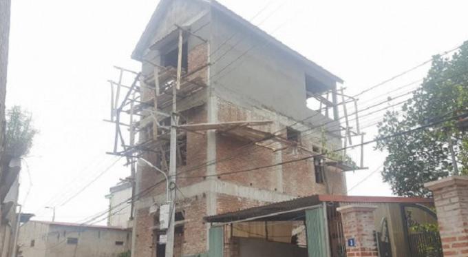 Ngôi nhà nơi xảy ra vụ tai nạn lao động nghiêm trọng.