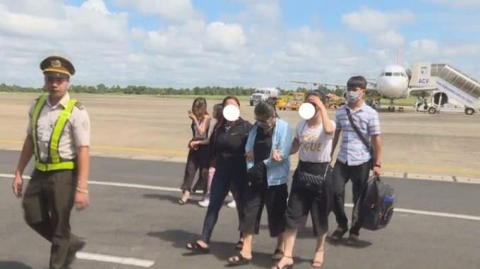 Nghi can được di lí về cơ quan điều tra tại Đắk Lắk.