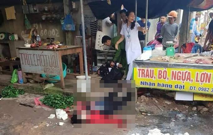 Lực lượng chức năng Công an tỉnh Hải Dương phong tỏa, khám nghiệm hiện trường nơi xảy ra vụ án mạng.