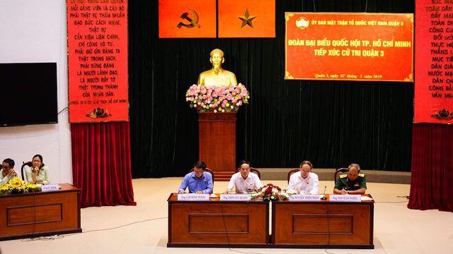 Đoàn đại biểu Quốc hội TPHCM tiếp xúc cử tri quận 3.