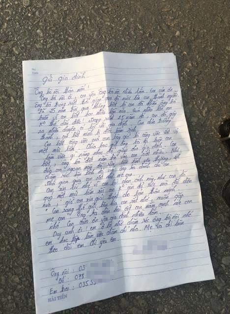 Lá thư tuyệt mệnh cùng tư trang cô gái để lại trên cầu trước khi tự vẫn.