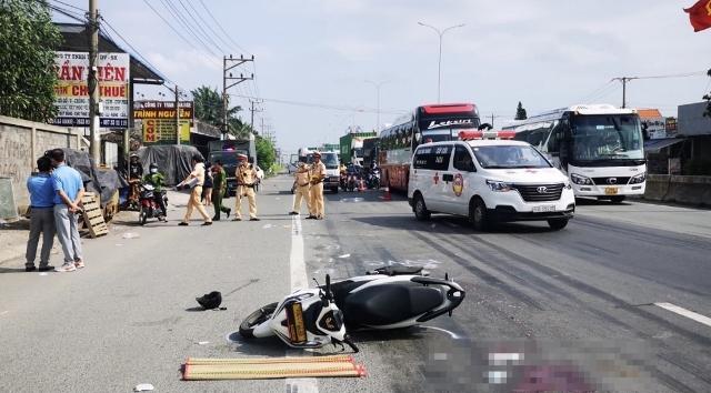Hiện trường một vụ tại nạn trên địa bàn xã Phú Mỹ, tỉnh Bà Rịa-Vũng Tàu ngày 3/5, khiến một người đàn ông thiệt mạng.