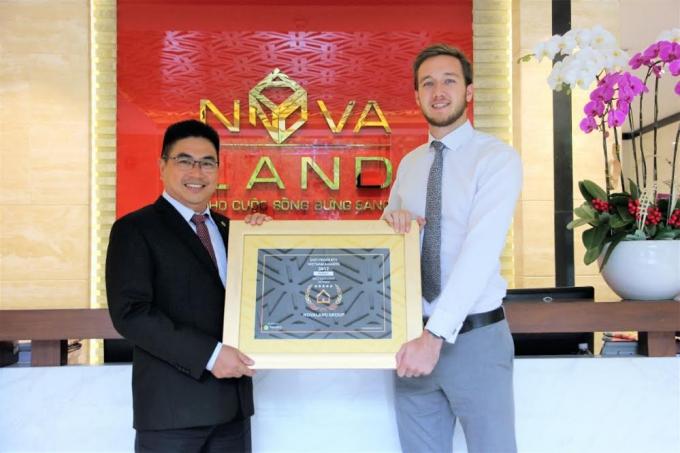 Tập đoàn Novaland cũng được vinh danh là Nhà phát triển bất động sản tốt nhất Việt Nam năm 2017 (Best Developer 2017)