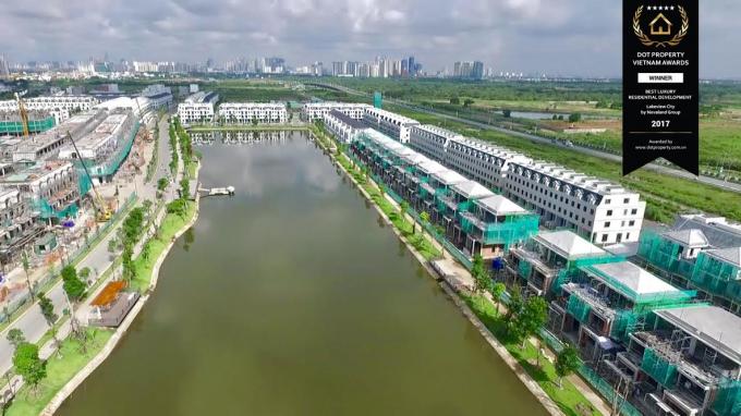 Khu đô thị Lakeview City (P.An Phú, Q.2) vừa được trao tặng giải thưởng Dự án khu dân cư hạng sang tốt nhất (Best Luxury Residential Development) từDot Property Vietnam Awards 2017