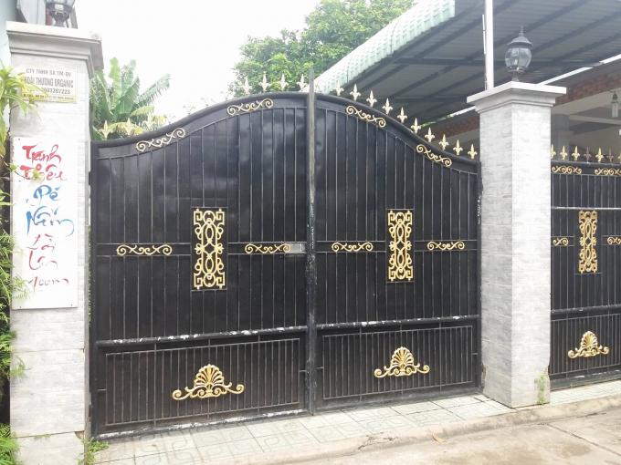 Khi phóng viên đến liên hệ trụ sở của Công ty Hoài Thương đang trong tình trạng đóng cửa không có người.