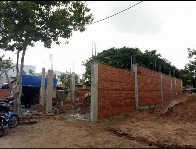Công trình ghi nhận vào ngày 7/7, tức sau 4 ngày được cấp giấy phép xây dựng. Dư luận đang nghi vấn công trình được xây dựng trước khi có giấy phép.