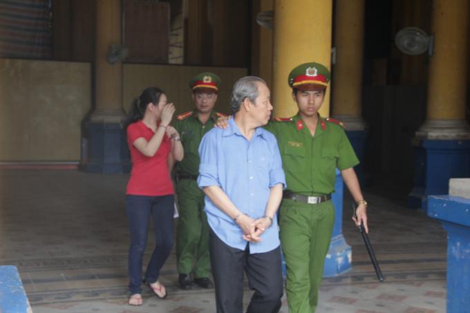 Các bị cáo tại phiên tòa ngày 31/7/2017.