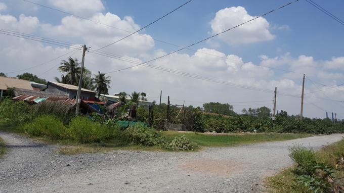 Những căn nhà lụp xụp vì vướng quy hoạch.