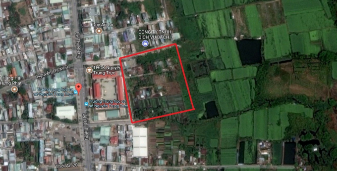 Phần đất được quy hoạch Trường THPT cũ bên cạnh Trường THCS Nguyễn Trung Trực hiện đang được để trống.