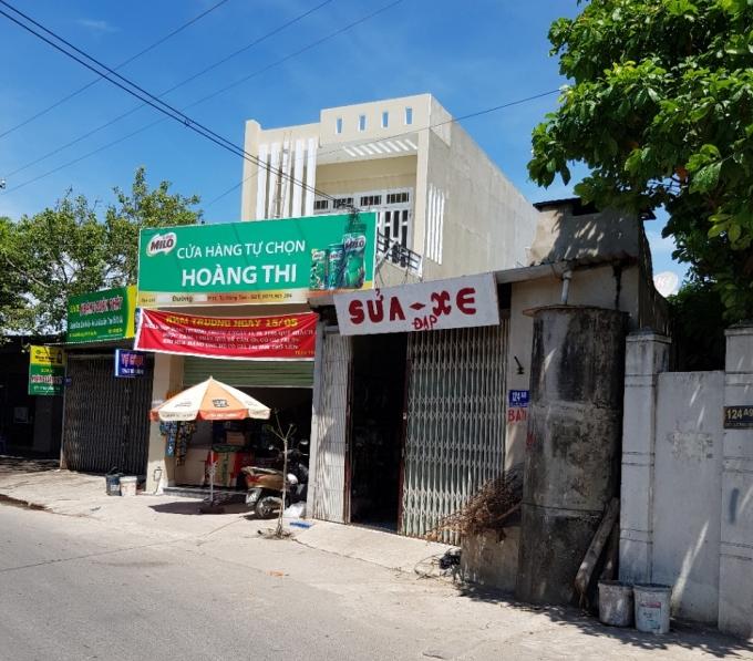 Căn nhà 124A7 (ngôi nhà hai tầng có biển hiệu màu xanh) nằm trên đường Đô Lương, phường 11, TP Vũng Tàu.