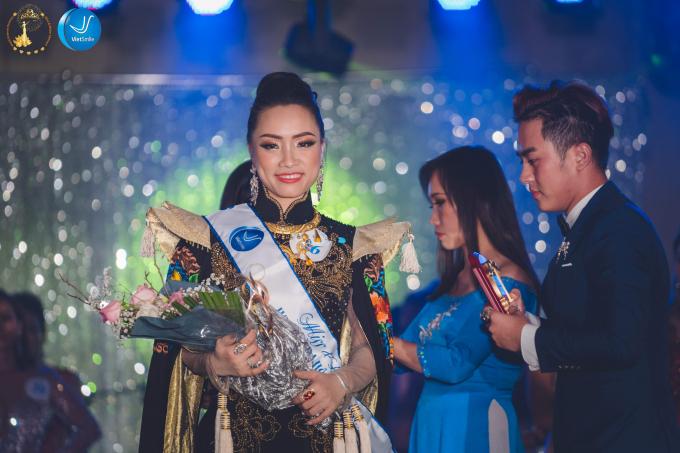 Nguyễn Thị Phương, SBD 06 là người đẹp Việt Nam đoạt ngôi vị hoa hậu của cuộc thi.