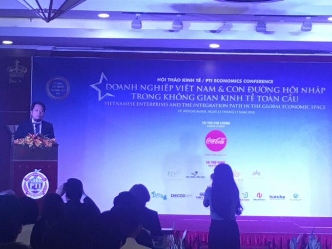 Ông Nguyễn Hoàng Phương – Phó Chủ tịch Hội đồng Giảng huấn PTI phát biểu khai mạc hội thảo.