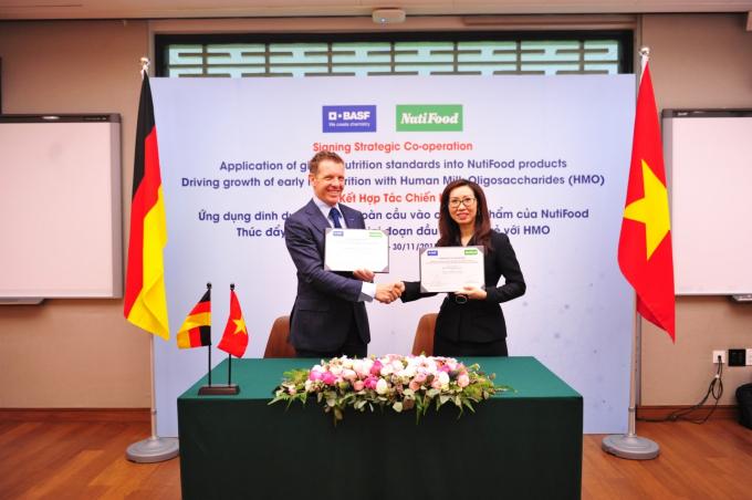 NutiFood hợp tác với Tập đoàn BASF Khu vực Đông Nam Á, tập đoàn hàng đầu thế giới trong lĩnh vực dinh dưỡng cho con người.