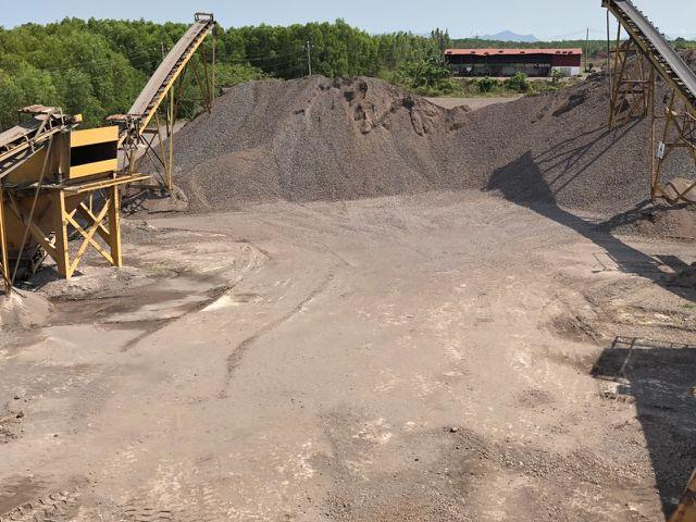 Dù khai thác tận thu và không chú ý đến môi trường xung quanh nhưng Công ty KS Vũng Tàu vẫn đang xin cấp phép khai thác tiếp ở núi Thơm.