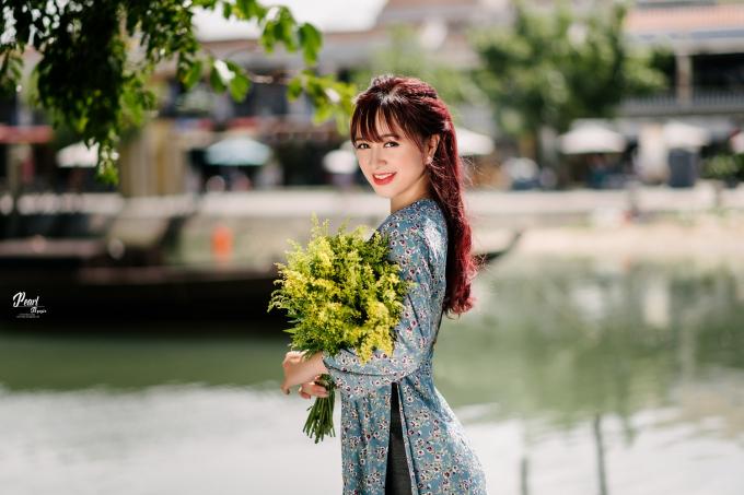 Gia Hân cho rằng, cô chỉ cảm thấy tự tin và xinh đẹp nhất khi diện trên người những chiếc áo dài truyền thống của Việt Nam.