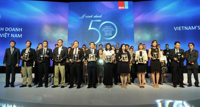 Các doanh nghiệp được vinh danh trong Top 50 Công ty kinh doanh hiệu quả nhất Việt Nam.