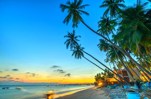 Phan Thiết với đường bờ biển trong xanh luôn là điểm đến hấp dẫn.