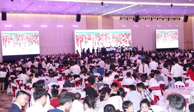 Sự kiện mở bán thu hơn hơn 2.000 khách hàng tham dự.
