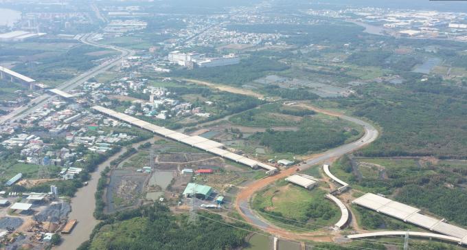 Trong 10 năm trở lại đây, hạ tầng khu vực phía Nam Sài Gòn có sự phát triển nhanh như vũ bão với loạt công trình giao thông được đầu tư nâng cấp tạo nên sự đồng bộ, kết nối cho khu vực.