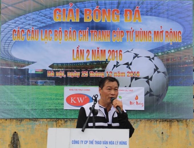 Nhà Báo Trần Qúy phát biểu tại buổi lễ.