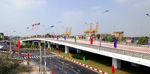 : Cầu vượt và nút giao thông khác mức Nguyễn Bỉnh Khiêm .