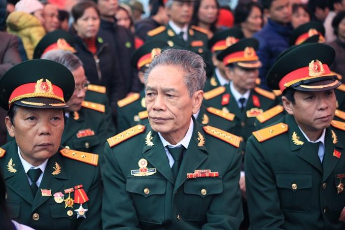 Các cựu chiến binh cũng đến động viên tinh thần Tân binh