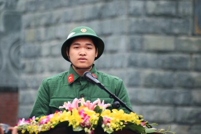 Đại diện tân binh phát biểu