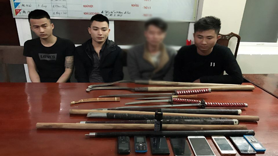 Các đội tượng cùng tham gia hỗn chiến tại trụ sở cảnh sát.