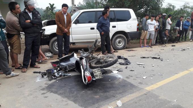 Hiện trường vụ tai nạn thảm khốc khiến 3 người tử vong tại chỗ.