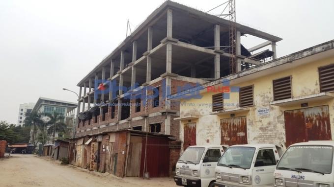Công trìnhTrường tiểu học Thăng Long số 1do Công ty TNHH Thương mại hỗ trợ kiến thiết Miền núi làm chủ đầu tư.