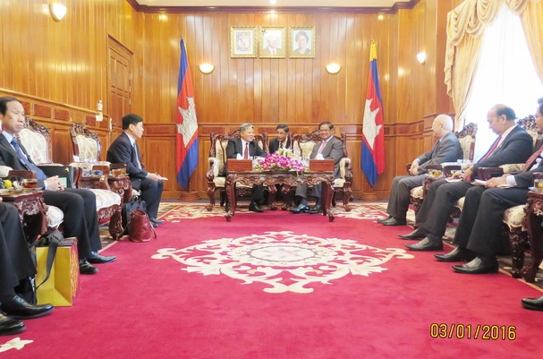 Bộ trưởng Hà Hùng Cường tiếp kiến Phó Thủ tướng Chính phủ Vương quốc Căm-pu-chia