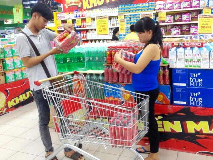 """Nước giải khát đang được định vị là ngành """"hot"""" nhất trong nhóm hàng thực phẩm tiêu dùng nhanh."""