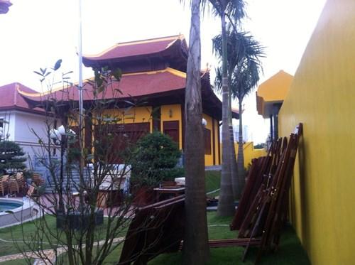 Công trình vi phạm trật tự xây dựng bị cưỡng chế theo Quyết định số 17/QĐ-CTUBND ngày 25/3/2013 của Chủ tịch UBND phường Dịch Vọng Hậu, đã được lãnh đạo UBND quận Cầu Giấy phê duyệt. Ảnh báo Tiền Phong.