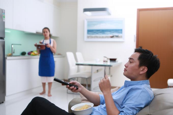 Một cuộc khảo sát mới đây của Hội Liên hiệp Phụ Nữ Việt Nam khẳng định, 88% đàn ông Việt Nam cho rằng việc bếp núc là của phụ nữ.
