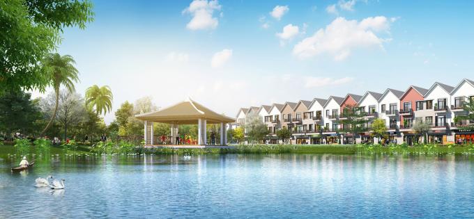 Với lợi thế hai mặt giáp sông, dự án còn sở hữu hai hồ cảnh quan rộng hơn 1,2ha, đem lại không gian sống thơ mộng và đẳng cấp cho cư dân tương lai.