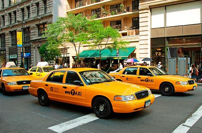 Taxi ở Mỹ được phủ chung một màu vàng.