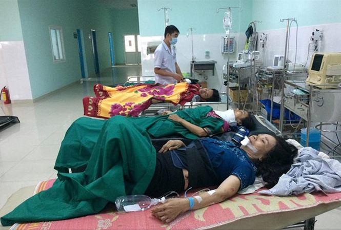 Các nạn nhân cấp cứu tại Bệnh viện Đa Khoa Kon Tum.